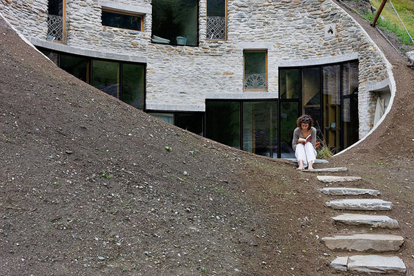 underground-home-designs-swiss-mountain-house-3