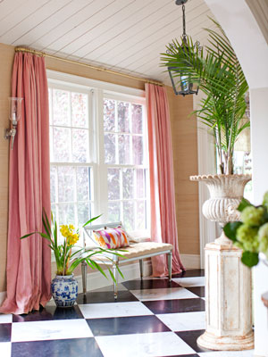 blackandwhite-tile-floor-pink-curtains-0311-sommers01-mdn Ruthie Summers March 2011 Issue