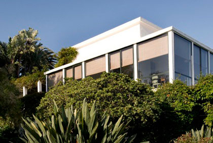 Design Lines Blog Yves Saint Laurent Moroccan Villa Mabrouka on cliff exterior view